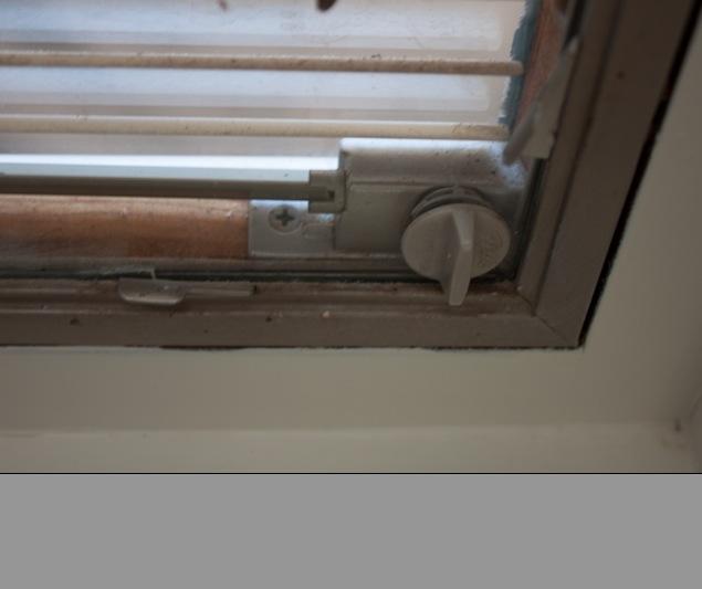 Pella Slim Shade (internal blinds) Casement DGP Slim Shade